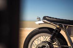California Dreaming: A brat style Triumph Bonneville by FCR Original. Triumph Bikes, Bmw Motorcycles, Triumph Bonneville Custom, Alfa Romeo Cars, Bmw Series, Street Tracker, California Dreamin', Honda Cb, Audi Tt