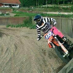 This girl is rad!  #dwbtoftshit #in4lifecollection #mxjersey #mx #mxgirl #mxgirls #dirt #motocross #motocrosslife #mxrider @felicialoo173mx