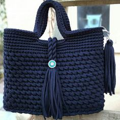 dusunurem bu ruqzaqi ozume saxlayim))))))))rengin cox sevdim)) I liked the colour.i think it must be mine😄😄😄 Free Crochet Bag, Diy Crochet And Knitting, Crochet Tote, Crochet Handbags, Crochet Purses, Hand Crochet, Crotchet Bags, Knitted Bags, Crochet Designs