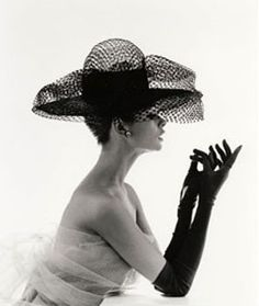 a little bit of history:gloves   Simone Leblanc