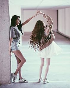 Dancing Poses For Pictures Fun 39 Ideas Bff Pics, Photos Bff, Bff Pictures, Best Friend Pictures Tumblr, Friend Pics, Instagram Pictures To Post, Friendship Pictures, Friend Goals, Best Friend Photography