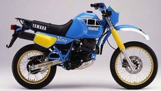 In the late 'dual sport' or 'enduro' style bikes with long-range fuel tanks were starting to attract attention in Europe. In Japan, Yamaha took notice. In they started work on a production Xt 600 Scrambler, Yamaha Xt 600, Moto Enduro, Enduro Motorcycle, Yamaha Motorcycles, Yamaha Motorbikes, Motorcycle Luggage, Enduro Vintage, Vintage Motocross