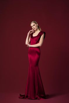 Viscose Dress, Mermaid Silhouette, Ny Fashion, Stretch Satin, Fall Winter, Winter 2017, Stretches, Ball Gowns, Silk