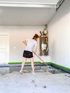 How to apply a DIY epoxy floor coating in your garage. #diy #diyproject #garage #epoxyfloor #prideinthemaking #rustoleum Rustoleum Garage Floor Epoxy, Epoxy Floor Diy, Epoxy Garage Floor Coating, Garage Epoxy, Garage Floor Coatings, Diy Epoxy, Garage Organisation, Garage Storage, Organization