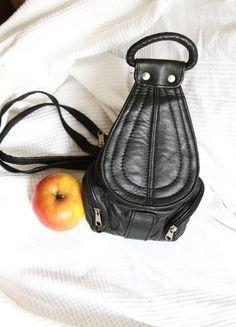 Kaufe meinen Artikel bei #Kleiderkreisel http://www.kleiderkreisel.de/damentaschen/rucksacke/116812356-lederrucksack-schwarz-umhangetasche-minirucksack-festival-rucksack-hipsterrucksack