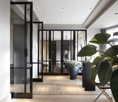 Mooie ruimte met deuren van Bod'or - Design by Marcel Wolterinck - Residential - Deuren: Le Cadre - Dubbeldeurs met zijlichten