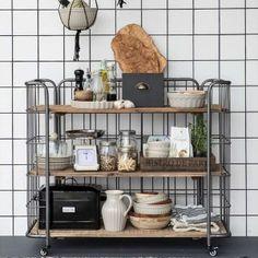 Factory style reol lav find møbler brugskunst og brocante på www.galleri-hebe.dk :-)