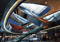 ZRH - Zurich Airport also called Kloten Airport, is located in the canton of Zurich, Switzerland.