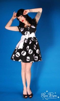 Rock and Roll skull dress...why can't I be a 50's style pin up girl