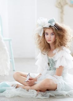 Beautiful flower girl accessory from Tutu Du Monde. Perfectly match the vintage inspired tutu dresses. Also perfect for photography and other special occasions. Fashion Kids, Young Fashion, Little Girl Fashion, Little Princess, Tutu, Young Models, Beautiful Children, Children Photography, Cute Kids