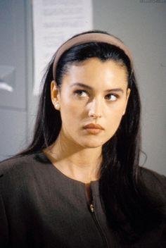 Ciao Bella - Monica Bellucci inLa riffa (1991)