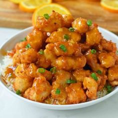 Chinese Orange Chicken made at home is way better than take-out. Crispy fried chicken with a sweet and tangy orange sauce. The perfect orange chicken recipe Bbq Chicken Pizza, Thai Chicken Wraps, Chicken Kitchen, Lemon Chicken, Caprese Chicken, Asian Chicken, Chinese Orange Chicken, Chinese Food, Chinese Style