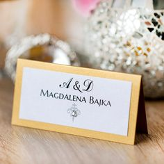 Winietka ślubna złota z kolekcji Classic. Wedding Decorations, Wedding Ideas, Cupcake Toppers, Rustic Wedding, Place Cards, Ornament, Place Card Holders, Classic, Dots