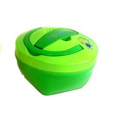 It's cold out there! The Fit & Fresh Kids Hot Lunch Container is a special container that was made especially for kids! It keeps hot foods fresh and toasty until lunchtime rolls around.