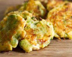 brokolickové karbanátky Czech Recipes, Ethnic Recipes, Guacamole, Low Carb Recipes, Cauliflower, Food And Drink, Vegetarian, Treats, Vegetables