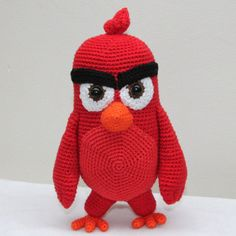 Last week the weather was quite bad and I had time to finish my Red pattern. This handsome dude should not be missed as the main character in the new Angry Birds movie next to the pink hatchling. This pattern provides more crochet variety, such as details, but also large areas of continuous crochet. Red became about 20 cm tall. I loved to make this figure and hopefully you too.
