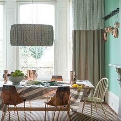 Esszimmer Wohnideen Möbel Dekoration Decoration Living Idea Interiors home dining room - Jade grün Esszimmer mit Kupfer-Stühle
