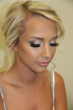 Natural wedding day makeup - Wedding Site..we ♥ this! moncheribridals.com http://www.mybigdaycompany.com/weddings.html