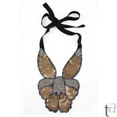 Me encanta este collar babero!!!
