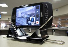 Make a Simple Smartphone Dock Out of Two Binder Clips