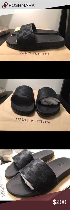 32bbca08a7ab Louis Vuitton Waterfront Mule Slides Flip Flops New 100% authentic men s  Louis Vuitton Slides
