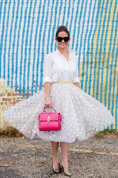 Jennifer Lake Style Charade in a gold glitter polka dot midi skirt, midi skirt, gold glitter skirt, cute midi skirts, new years skirt, birthday skirt, how to style your white button up, what to wear to work, pink bag, outfit inspiration, fashion inspiration, fashion bloggers