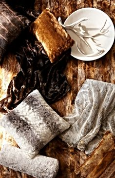Thicker and larger than similar faux fur throws, our Luxury Faux Fur Throw replicates the irresistible softness, warmth, and luxury of real fur that you can appreciate anywhere.