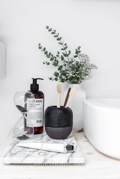 minimalist home accessories home accessories homeaccessories 48 Awesome Minimalist Bathroom Design Ideas Bathroom Inspo, Bathroom Styling, Bathroom Interior, Bathroom Inspiration, Bathroom Ideas, Small Bathroom, Bathroom Organization, Bathroom Storage, Modern Bathrooms
