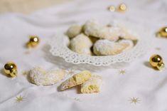 Vanillekipferl backen wie bei Oma - mit selbstgemachtem Vanillezucker - klassische Weihnachtsplätzchen