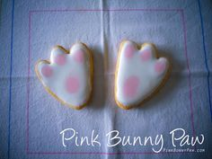 Pink Bunny Paw cookies, these would be super easy for the kids to decorate for easter Bunny Paws, Easter Cookies, Holiday Crafts, Delicious Desserts, Cake Recipes, Baking, Spring Time, Super Easy, Kitchen Ideas