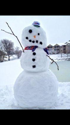 Neuro nurse humor: stroke snowman. hahahaha I am dying right now!