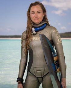 Exclusive New Series! #FacesOfFreediving: Ashleigh Baird (USA) @deepleigh #VerticalBlue #2016 Edition photo by @TimCalver #freediving #portrait #photography #vb2016 #deansbluehole #bahamas #deeperbluephoto http://ift.tt/1WAi3w9