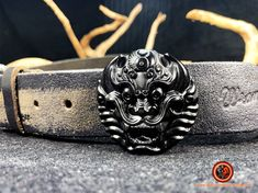 Dragon,Attache ceinture, protection feng- shui Obsidienne noire naturelle du Mexique, expertisée par nos soins. Pièce originale et atypique Feng Shui Jewellery, Cuff Bracelets, Dragon, Jewelry, Fashion, Mexico, Belt, Moda, Jewlery