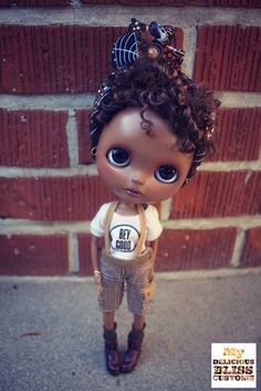 Nicolls Blythe Dolls, Barbie Dolls, Doll Toys, Marionette, Black Barbie, Creepy Dolls, Doll Repaint, Hello Dolly, Big Eyes