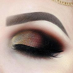 """232 Likes, 16 Comments - Isabell Arendes- de Zordo (@isie.a_beauty) on Instagram: """"💄Arabic Makeup 💄 Eyes: #hudabeautyrosegoldpalette @shophudabeauty @hudabeauty Lashes:…"""" #arabicmakeup"""