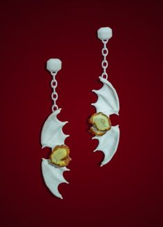 Justyna Stasiewicz Architectural relief - contemporary jewellery printed in 3D with amber