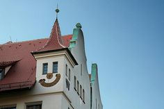 This house sourrounds the main market place in the city of Nuremberg in southern Germany. Actually the nose and the mouth are a sun dial.