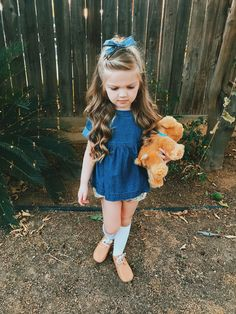 These hairstyles represent fairly simple as well as are great for beginners, fast and easy toddler hair styles. Medium Hairstyles For Girls, Young Girls Hairstyles, Girls Short Haircuts, Baby Girl Hairstyles, Princess Hairstyles, Modern Haircuts, Trendy Hairstyles, Medium Hair Styles, Long Hair Styles