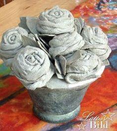 Concrete Rose - New Ideas Cement Flower Pots, Cement Garden, Cement Art, Concrete Crafts, Concrete Projects, Concrete Rose, Concrete Cement, Garden Deco, Garden Art