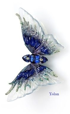 Wallace Chan brooch from the Fluttery series. This one is called Whimsical Blue. The body is made up of three Tanzanites set with Diamonds, and the wings consist of carved icy Jadeite, Lapis Lazuli and Sapphire. I want this it would look amazing in my hai Insect Jewelry, Butterfly Jewelry, Wallace Chan, Bijoux Art Nouveau, Diamond Brooch, Looks Vintage, Diamond Cuts, Jewelery, Vintage Jewelry