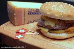 Un pinguino in cucina: Gourmet Burger con Gruyère DOP, pere e noci - Gourmet Burger with Gruyère Cheese, Pears and Walnuts