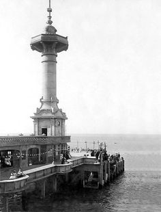 The impressive tower at the end of the pier. Vintage Photographs, Vintage Photos, Cape Town South Africa, Old Houses, Old Photos, To Go, Old Things, City, Lighthouses