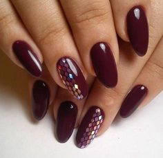45 Newest Nails Designs For 2018 Winter In the world of nail art, trends don't change as quickly and radically as in make-up, but the main directions for the winter nails 2018 can still be identified. We'll tell on what shades of winter nail polish color Burgundy Nail Polish, Burgundy Nail Designs, New Nail Designs, Red Stiletto Nails, Red Acrylic Nails, Dark Nails, Nail Deco, Wine Nails, Nails Inspiration