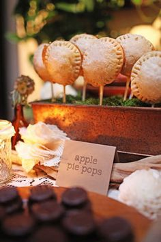 These apple pie pops packs all the flavor of homemade apple pie in one little pop. I'll take apple pie pops over cake pops any day! Pie Pops, Wedding Appetizers, Fall Wedding Desserts, Wedding Cakes, Wedding Favors, Fall Wedding Drinks, Fall Appetizers, Wedding Decorations, Nontraditional Wedding