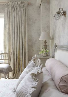Creative Ways To Decorate With White |