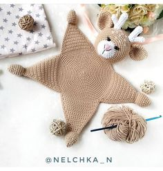 Baby Lovey Spielzeug - Knitting for beginners,Knitting patterns,Knitting projects,Knitting cowl,Knitting blanket Crochet Lovey, Crochet Blanket Patterns, Baby Patterns, Crochet Toys, Knitting Patterns, Cotton Crochet, Crochet Crafts, Diy Crafts, Baby Security Blanket