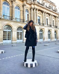 striped podiums at palais royale Cathedral Cafe, Amsterdam Guide, Carrie Bradshaw Lied, Europe Outfits, London Guide, Senior Trip, Palais Royal, Paris Photos, Photo Diary