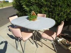 Mid-century-Virtue-Brothers-Vintage-Kitchen-Table-and-Chairs-4