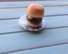 Miniature 1:12 Scale Food - Cheeseburger by DinkyDinerMinis on Etsy