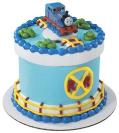 Now you can build an unique Thomas the Tank Engine birthday cake using this Thomas & Friends petite signature cake topper